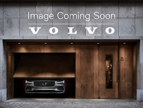 Volvo V70 2.5T SE LUX N G (ULEZ compliant, Front & Rear Park assist, 6 Disc CD Player, Laminated Windows)